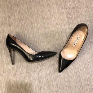 Manolo Blahnik black heels 7